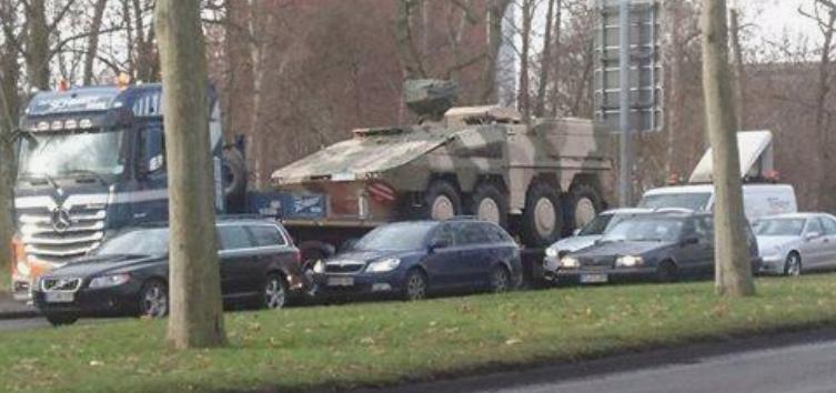 Panzer auf Tieflader